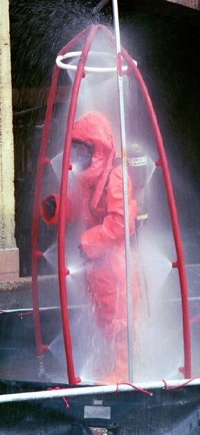 Douche de decontamination en cas d'attaque chimique