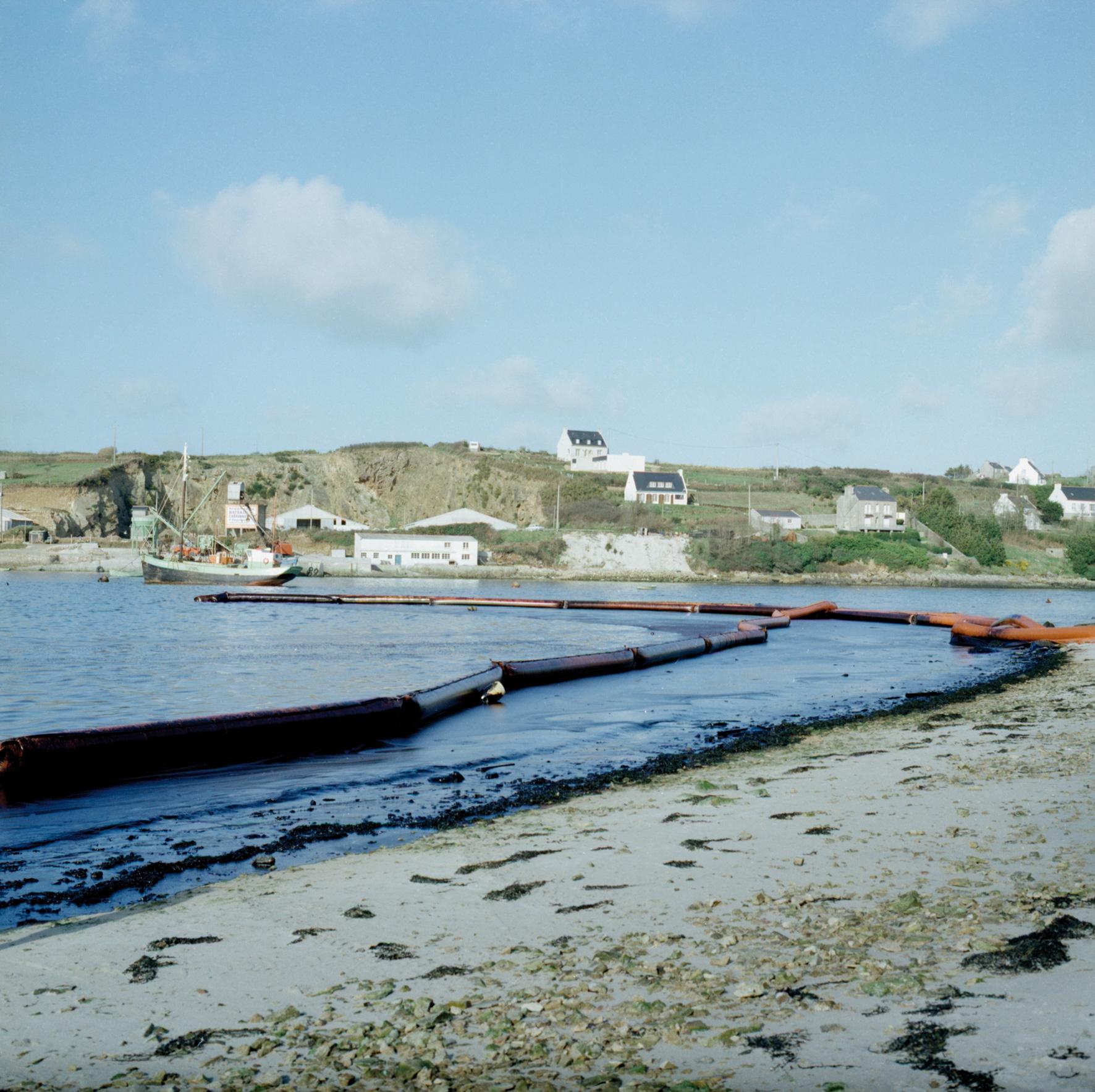 Barrage flottant gonflable