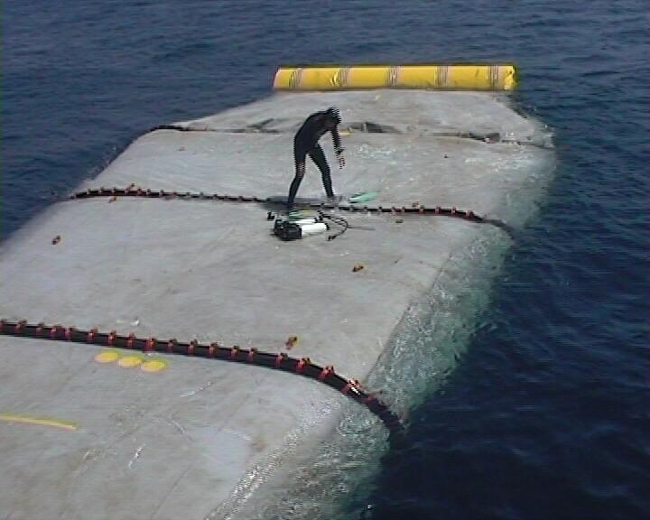 Réservoir flottant stockage mer pollution